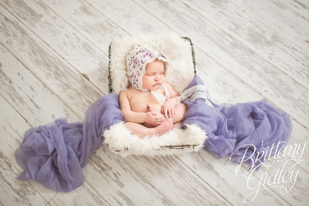 Best newborn photographer introducing lydia