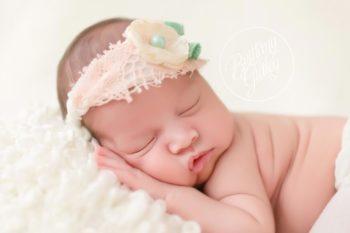 Family Newborn Session | Introducing Leighton